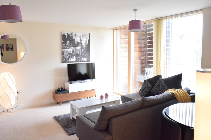 Dazzon Apartments, holiday rental in Bletchley