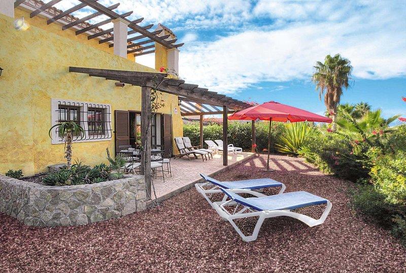 Villa with fantasyic views and built in BBQ, holiday rental in Huercal-Overa