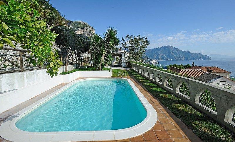 Conca dei Marini Villa Sleeps 6 with Pool Air Con and WiFi - 5668711, holiday rental in Amalfi