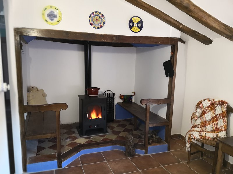 Casa rural 'Cuenta la Leyenda...', vacation rental in Ainzon