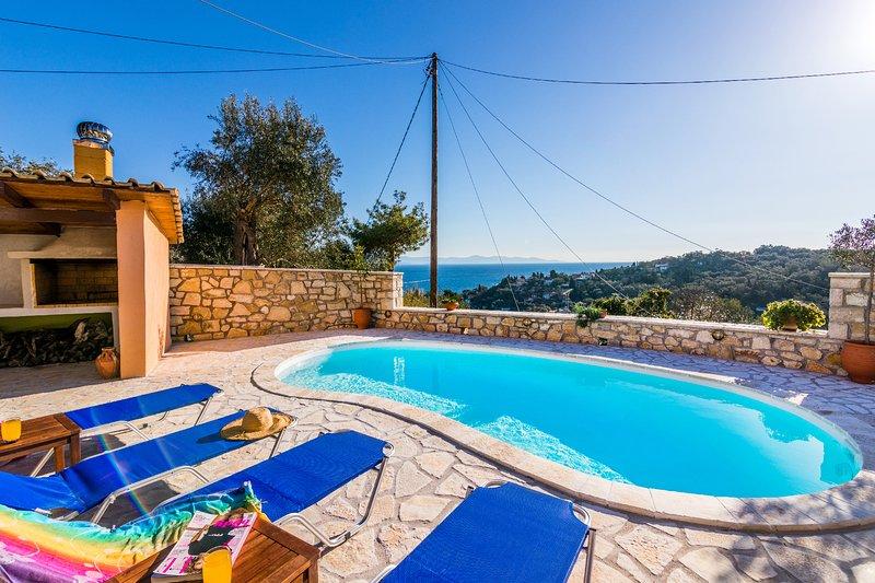 Private Pool Cottage Misoula by Konnect, Loggos Paxos, location de vacances à Rantatika