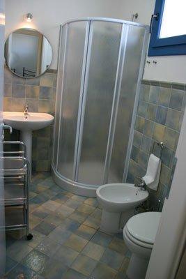 Bathroom apartment 4 pax on the ground floor