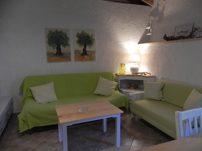 Studio Rena für drei Personen am Traumstrand von Tarti, holiday rental in Piryoi Thermis