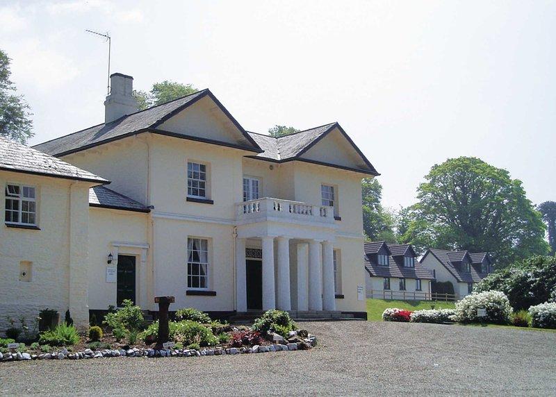 Rosecraddoc Manor - Natalie Jane, holiday rental in Upton Cross