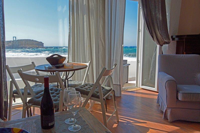 Grotta Sognare Sea Front suite, aluguéis de temporada em Naxos
