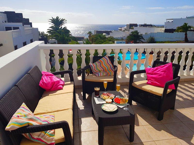 CALETON BLANCO C9 (TOP FLOUR - SEA FRONT) - LANZAROTE - PUERTO DEL CARMEN, Ferienwohnung in Lanzarote