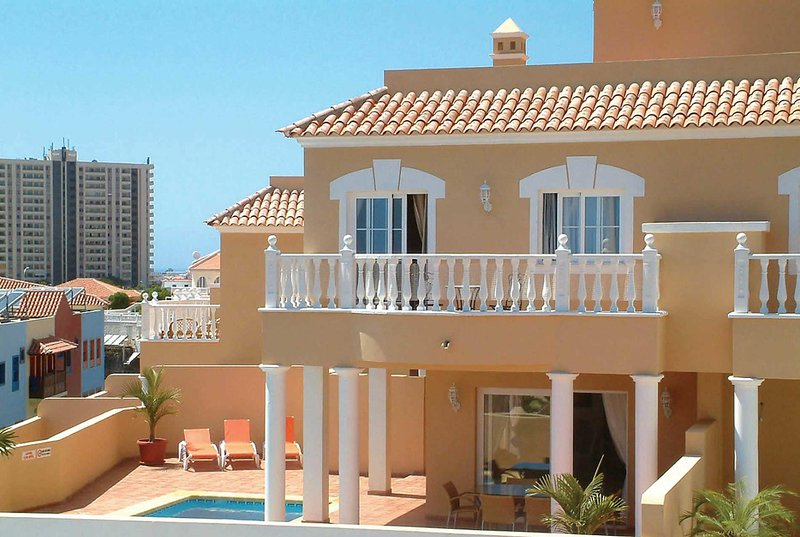 Villa close to resort wth private pool, vacation rental in Playa Paraiso