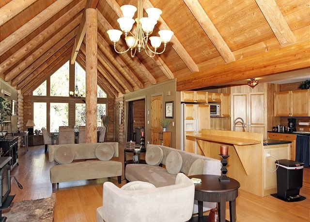 Colorado Log Home - Dramatic Mountain Views - Pet Friendly, location de vacances à Ridgway