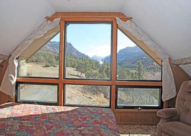 Rustic Cabin - 4 miles from Downtown Ouray, location de vacances à Ridgway