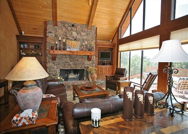 Luxury Mountain Retreat on 40 acres - Amazing Views - Gourmet Kitchen - A/C, location de vacances à Ridgway
