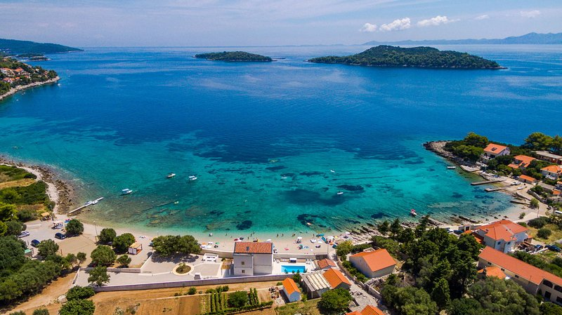 Beachfront Villa Fortuna with Heated Pool, vacation rental in Blato