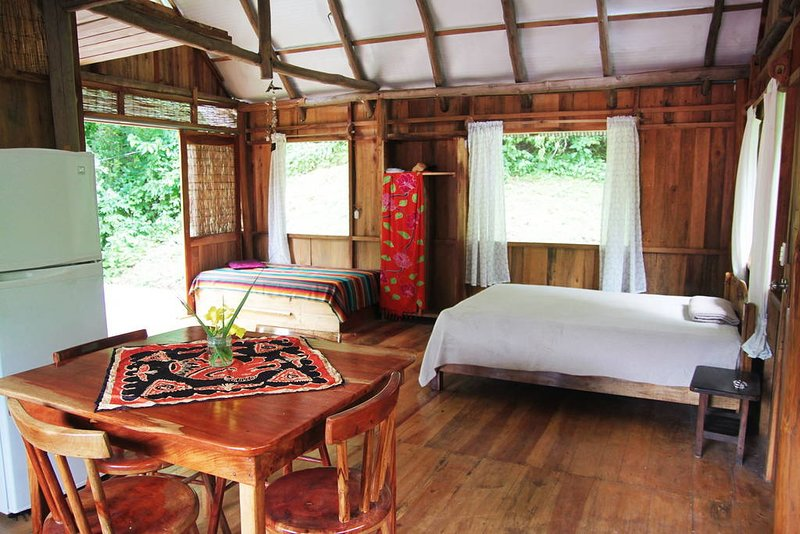 Yogic jungle cabins, alquiler de vacaciones en Ostional
