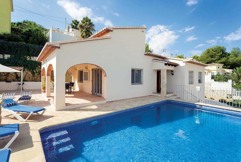 Traditional 3 bed villa close to coastal town, alquiler vacacional en La Llobella