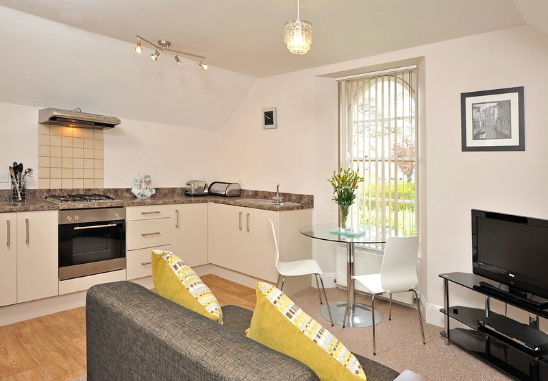 Apartment 1a Astor House - Cosy one bed for 2-3 people, vacation rental in Torquay