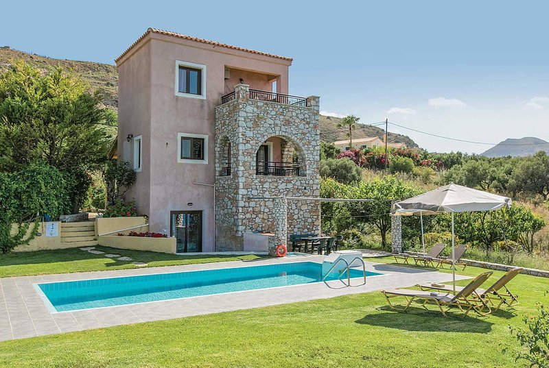 Villa located 15 mins from the charming Chania, vacation rental in Kalami