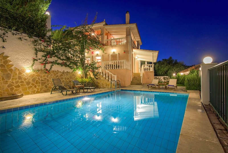 Elevated villa overlooking countryside, free WIFI, holiday rental in Lithakia