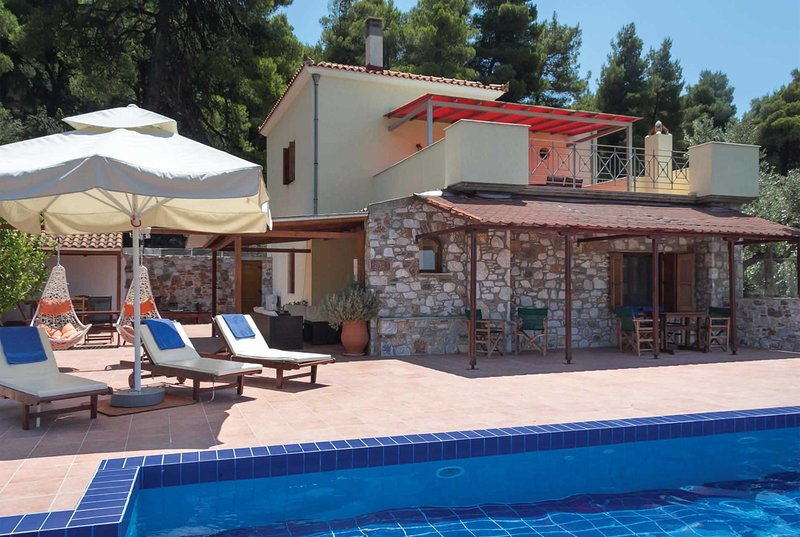 3 bed Stone villa, 15 min drive to seaside town, vakantiewoning in Panormos