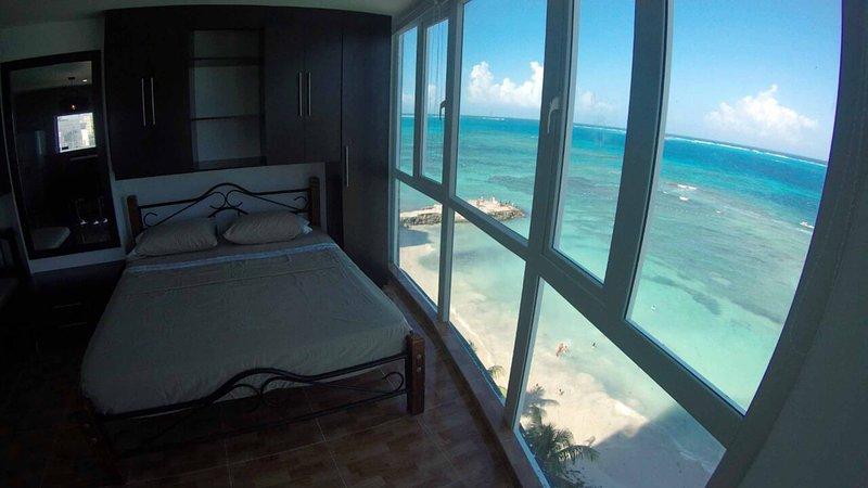 Departamento con Balcón y Vista Panorámica al Mar DESAYUNO INCLUIDO, casa vacanza a Isola di San Andrés
