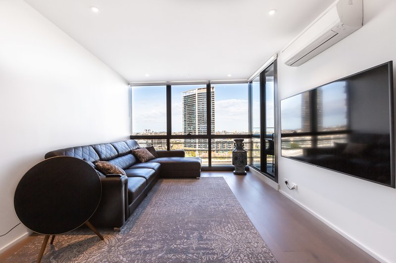 Sabrina, Clean Contemporary 2 bedroom Docklands Apartment, holiday rental in Seddon