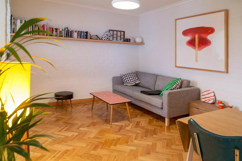 Comfortable Sunny Fitzroy Studio, holiday rental in North Fitzroy