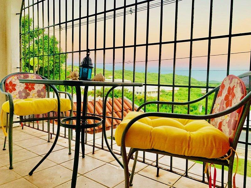 SoliMar Guest Studios...VERDE unit with Caribbean views, holiday rental in Puerto Diablo