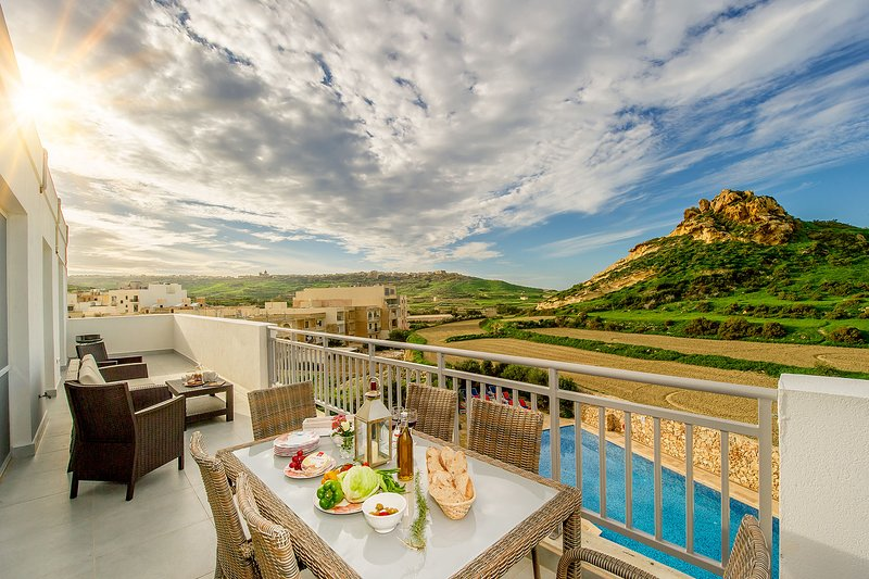 The Hillock Penthouse B17, holiday rental in Marsalforn