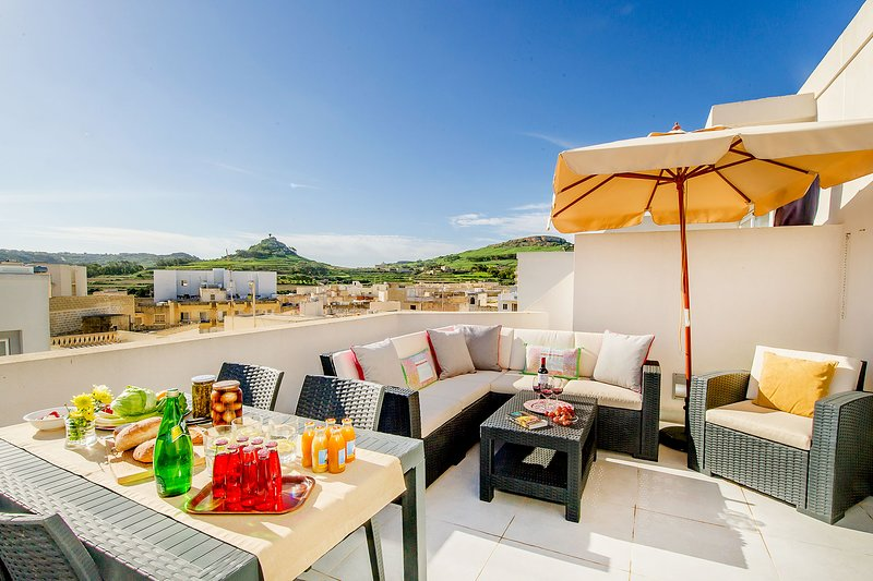 The Hillock Penthouse C11, holiday rental in Marsalforn