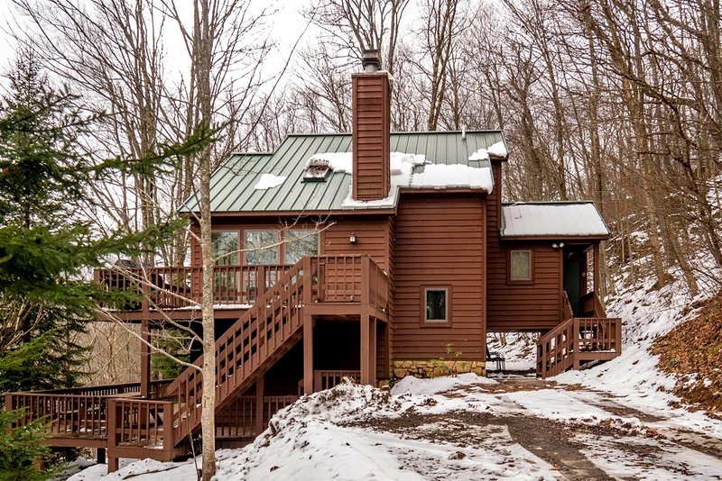 The Cabin - 323 Hikers Challenge Road, holiday rental in Canaan Valley