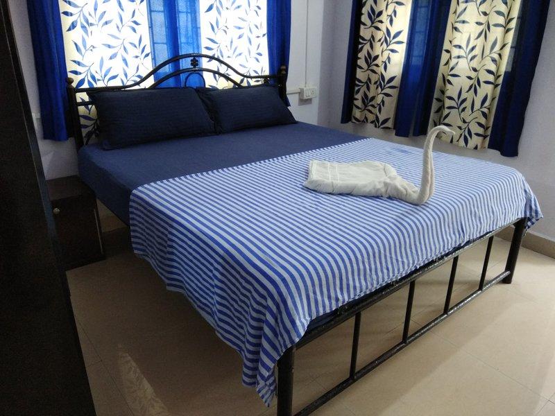 DELUXE DOUBLE ROOM AT HOTEL SWATI, aluguéis de temporada em Arambol