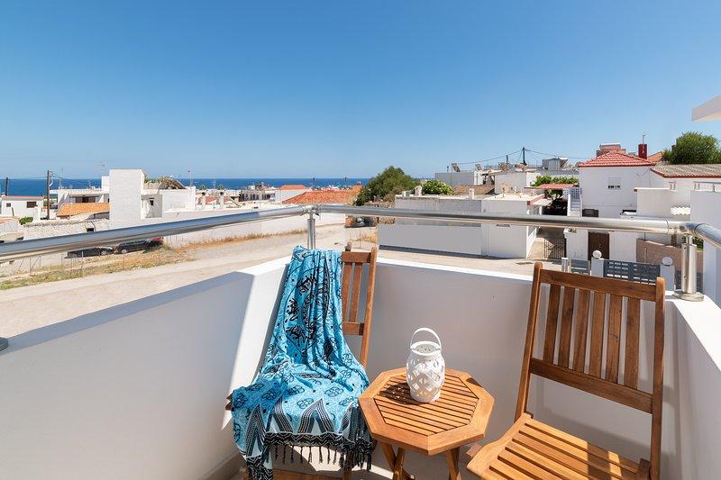 Ble Azzure - Ruby Apartment, holiday rental in Apolakkia