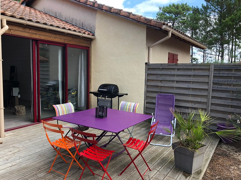 Nice house with shared pool, holiday rental in Landes