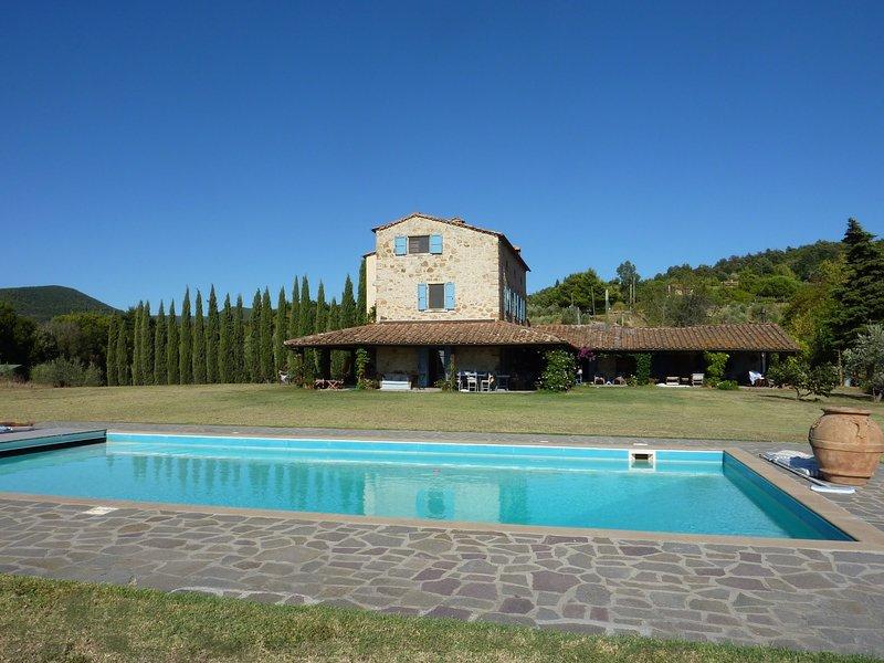 Castellina Marittima Villa Sleeps 10 with Pool and WiFi - 5714288, holiday rental in Pomaia