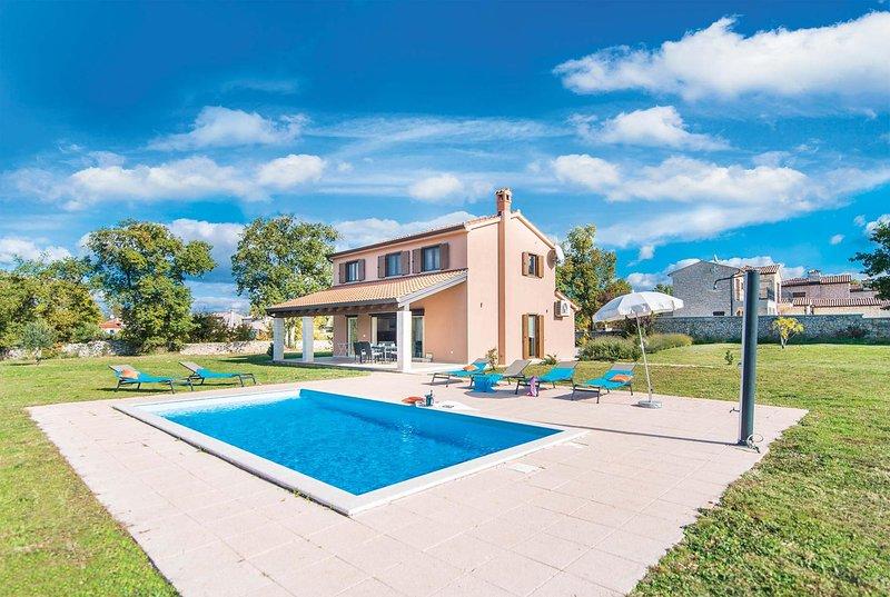 3 bed 2 bath villa with pool, vacation rental in Baderna