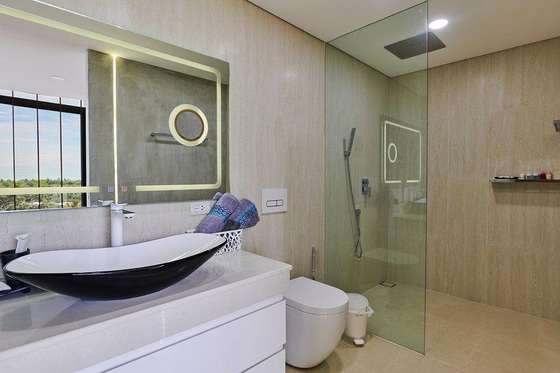 Sunrise Private Spa Suite, location de vacances à Choeng Mon
