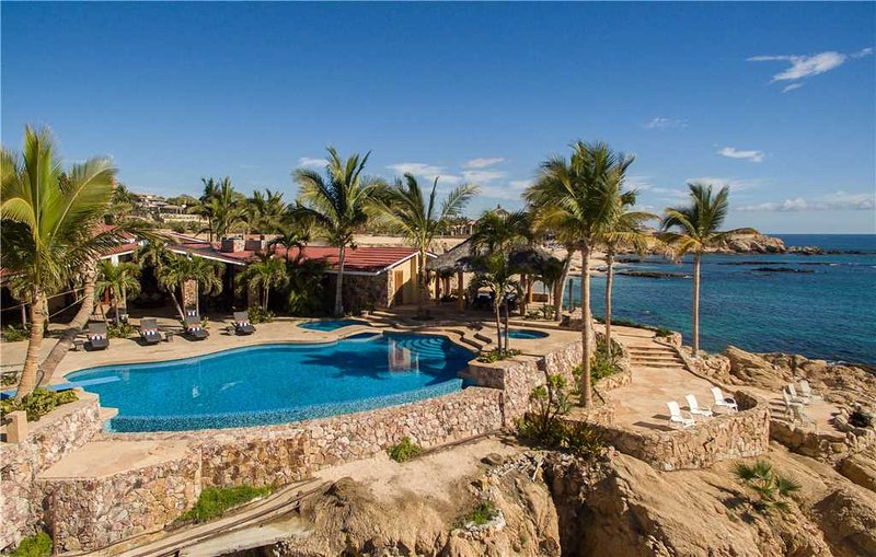 One of the Finest Snorkeling Locations in Los Cabos Near Villa Cielito!, holiday rental in Cabo San Lucas