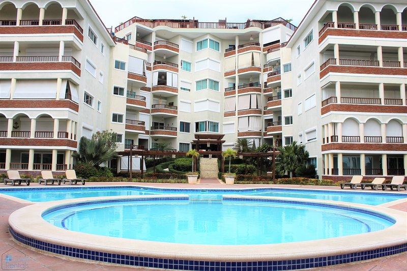 Relaxing Navy Blue Beach Apartment, alquiler de vacaciones en Juan Dolio