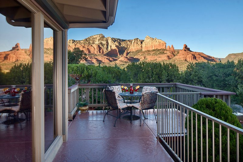 Welcome, Home! Come, bask in the delight of an ordinary Sedona Sunset! This is your north panorama.