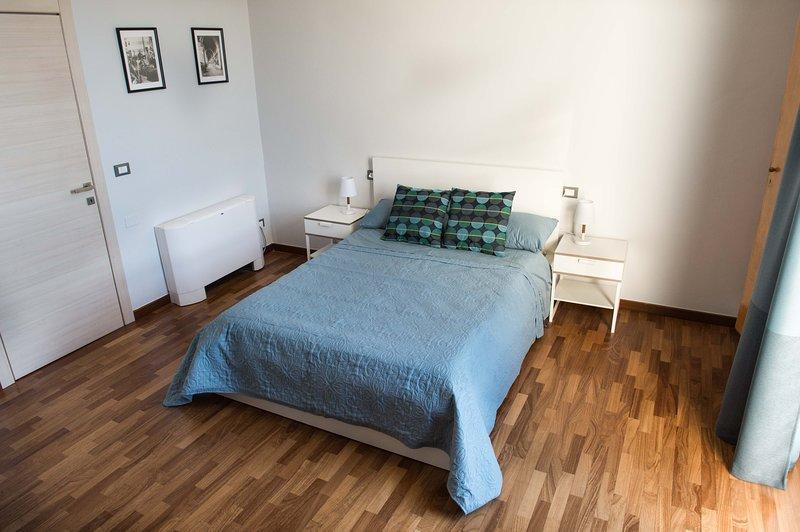 camera/bed room