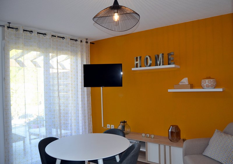 La 'Merveille de VERMEIL', studio spacieux, cosy et lumineux sur ALBI, holiday rental in Serenac