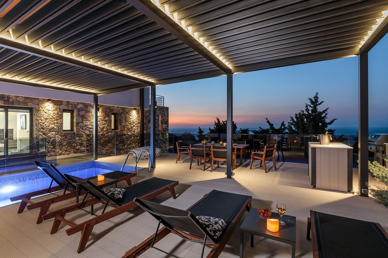 Horizon Villa (Luxurious villa with breathtaking sunsets in Rhodes town) – semesterbostad i Rhodos