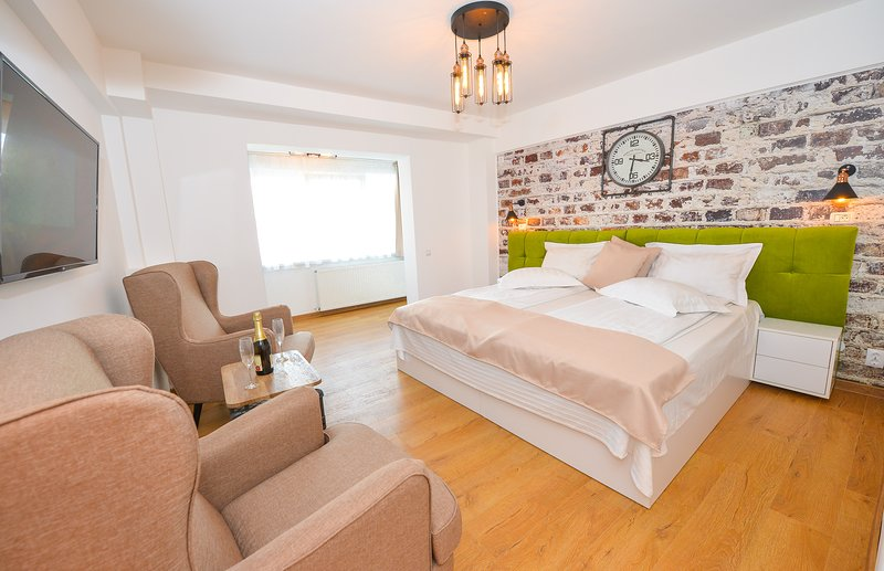 Elegance Studio - Cismigiu Gardens - Room - Matrimonial Bed.