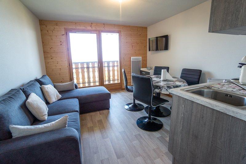 Nice apartment with mountain view – semesterbostad i Thollon-les-Memises