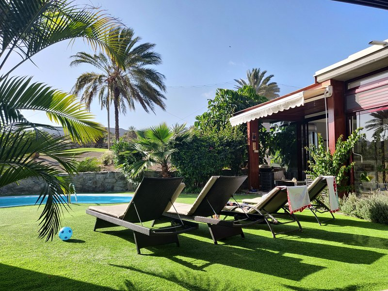 Anfi Tauro Private Heated Pool, Hot Tub, Stunning sea views.Perfect for families, location de vacances à Gran Canaria