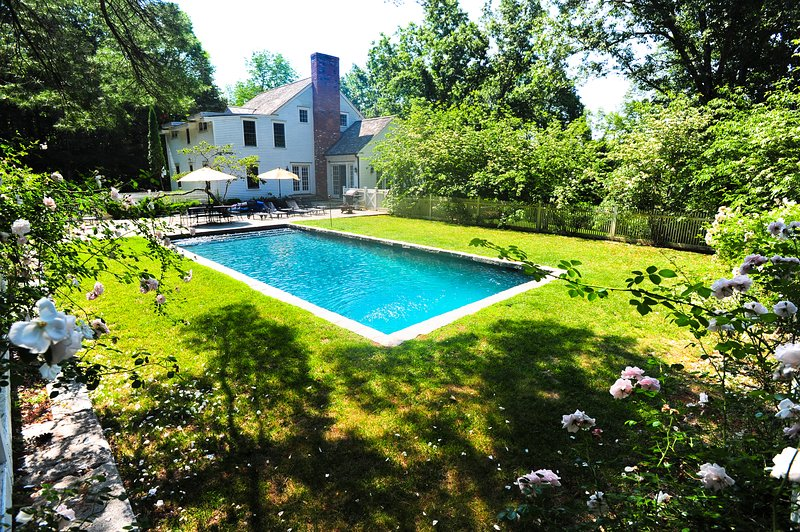 5-Bedroom Country Home, Heated Pool, Pond, Stream, Scenic Dirt Road