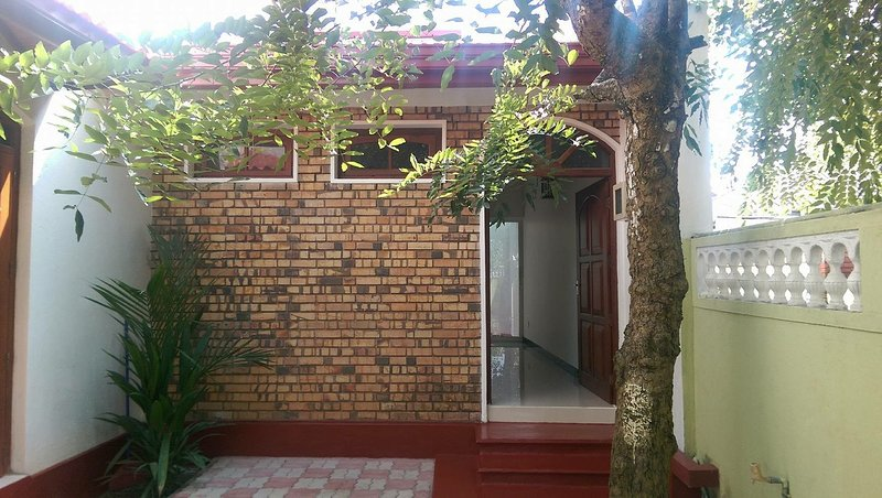 HOME FOR SHORT STAY & HOLIDAY MAKERS, alquiler vacacional en Panadura