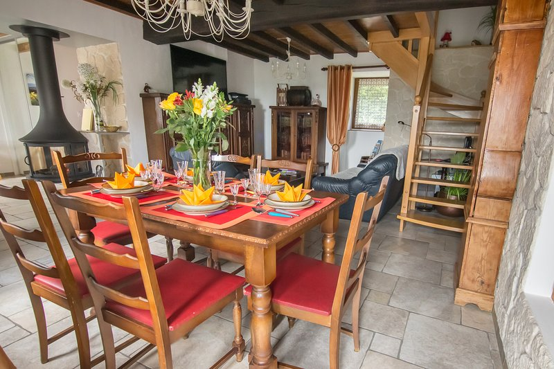 Gite-l-écoline 4**** 4 épis grand confort Auvergne Rhône Alpes Isère, holiday rental in Saint-Marcellin
