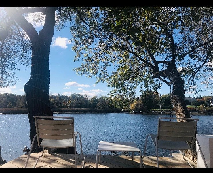 Waterfront Home in the city [Ottawa Rideau River], holiday rental in Ottawa