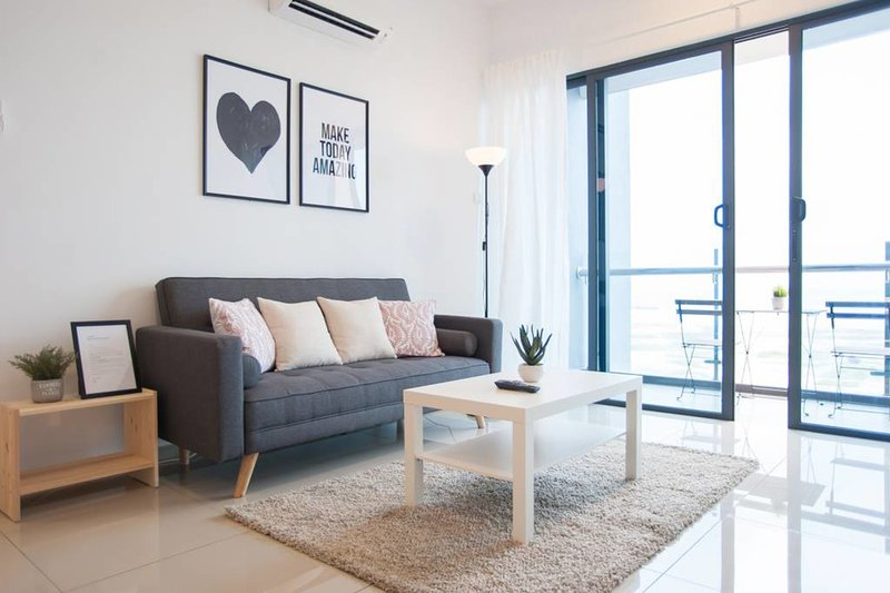 [A3] FAMILY Suites 4-6pax • GREAT Pool • Jonker Melaka • WIFI, vacation rental in Klebang Kechil