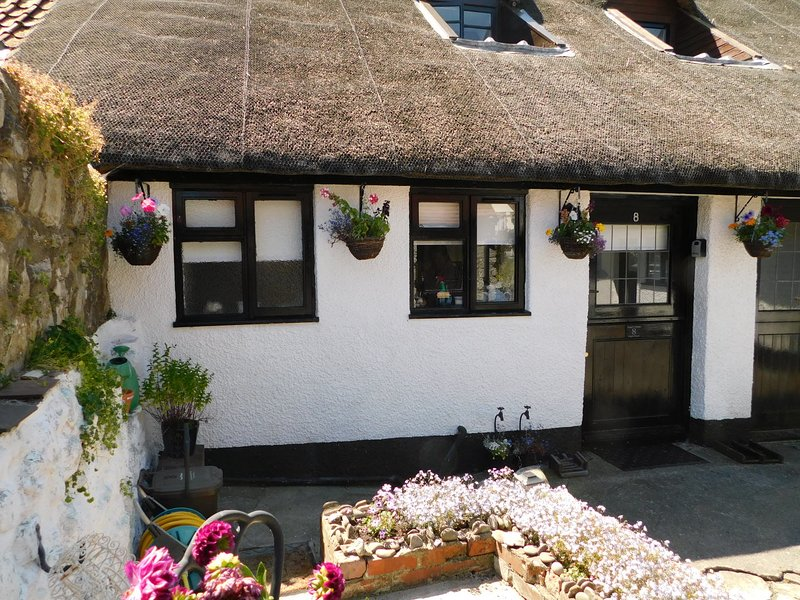 Angel Cottage  A 17th Century Thatched Cottage In The