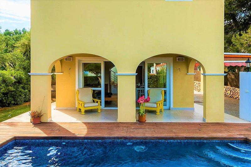 Villa 4 Nietos., vacation rental in Binisafua